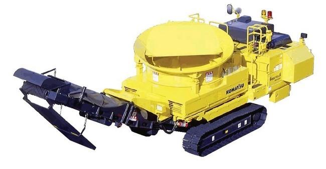 リフォレBR120T(自走式木材破砕機)